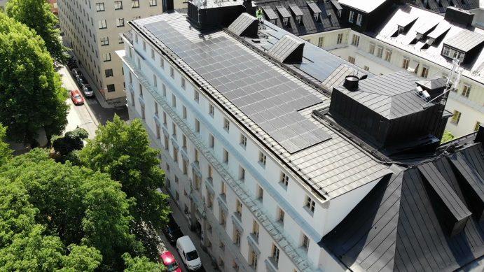 Solceller på Svensk-solenergi tak